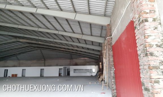 Nice warehouse for lease in Hoang Quoc Viet, Hanoi